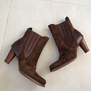 UGG Oliviya Brown Suede Pull On Boots